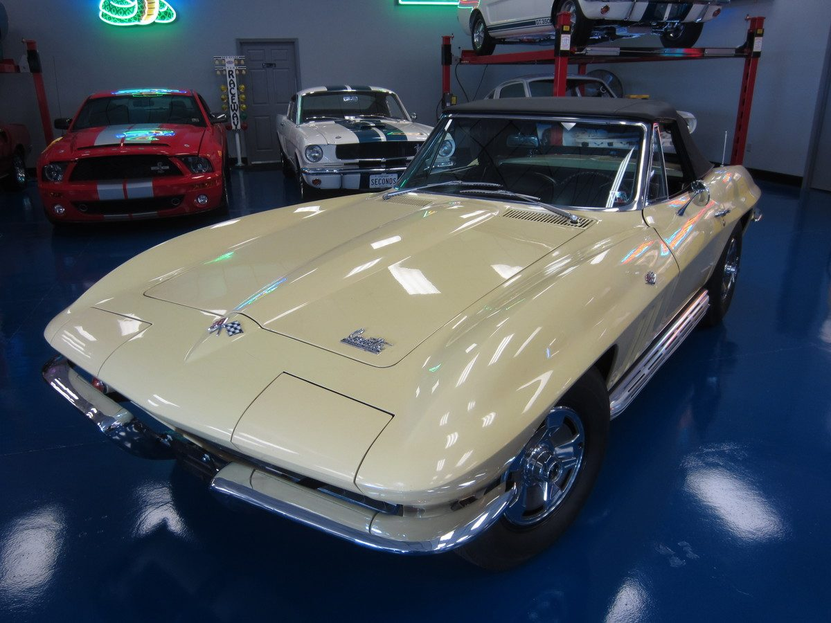 1966_corvette_convertible_yellow_a
