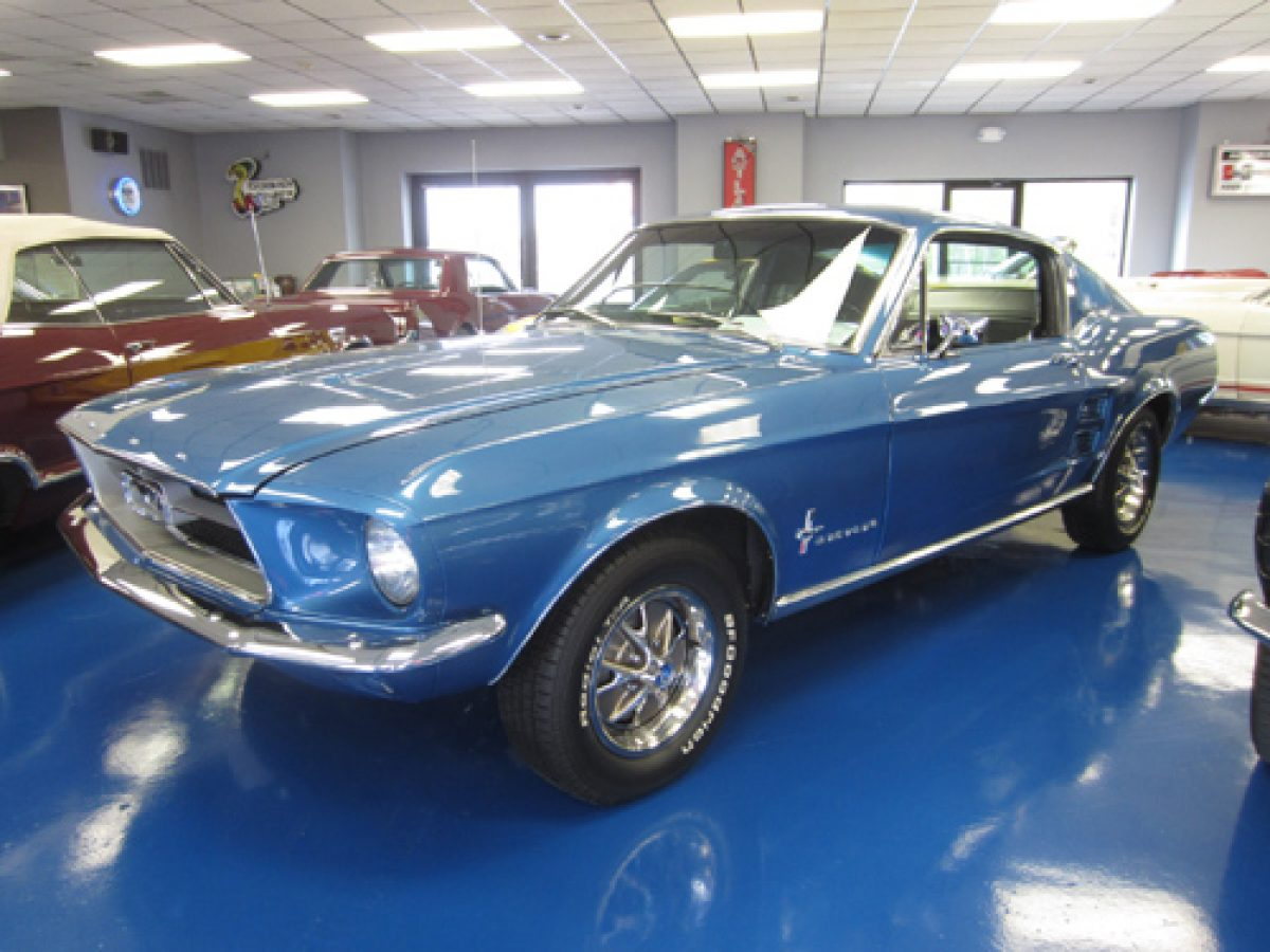1967_mustang_fastback_blue_a_sm