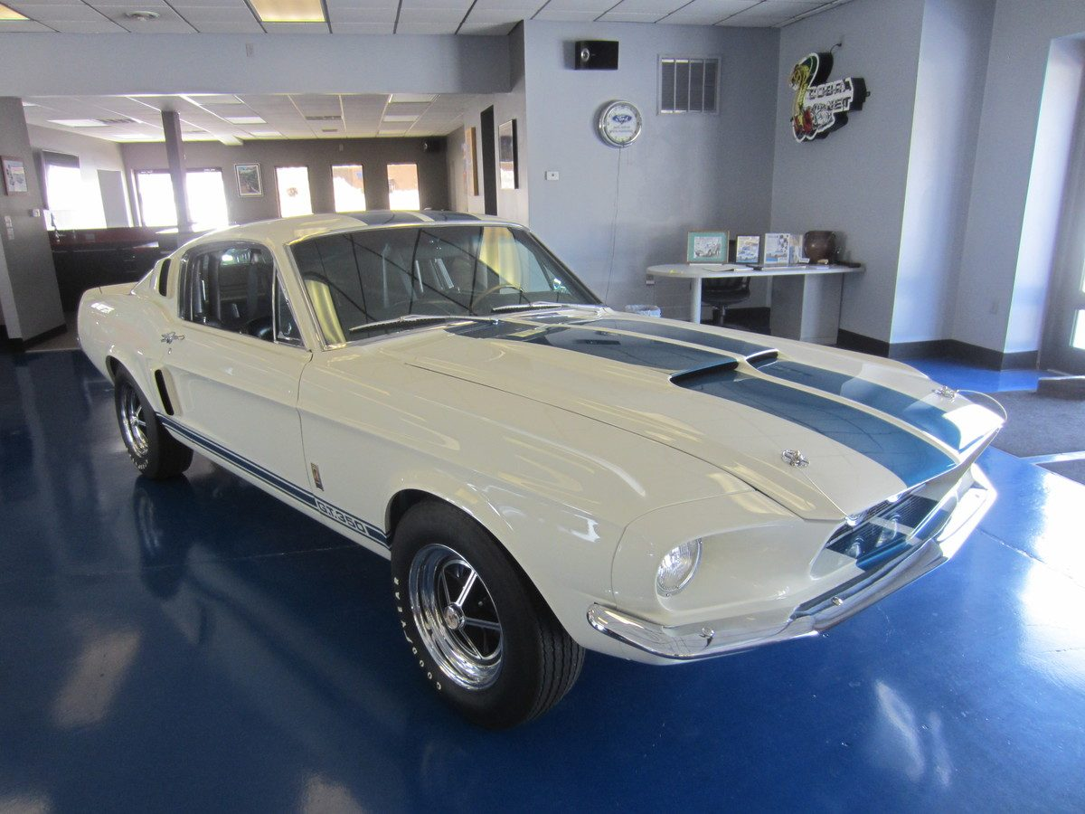 1967_shelby_gt_350_white_a